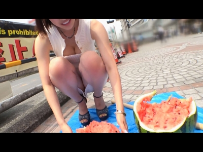 スレンダー豊満なHな巨乳の女のイキ潮プレイがエロい!!【FC2動画】