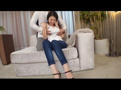 【ウェイトレス 初撮り】爆乳でHカップで巨乳のウェイトレスの初撮りプレイエロ動画!!【FC2動画】